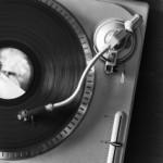 1413480_vinyl_player_2